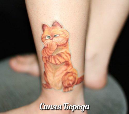 Мультяшные татуировки на ноге